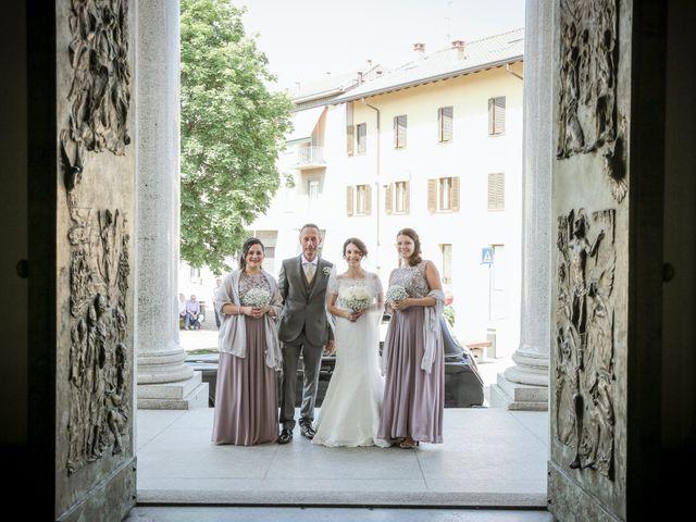 Il matrimonio di James e Elisa a Lentate sul Seveso, Monza e Brianza 19