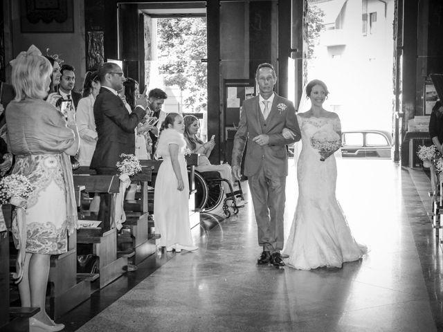 Il matrimonio di James e Elisa a Lentate sul Seveso, Monza e Brianza 20