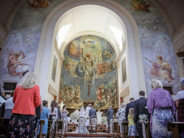 Il matrimonio di James e Elisa a Lentate sul Seveso, Monza e Brianza 25