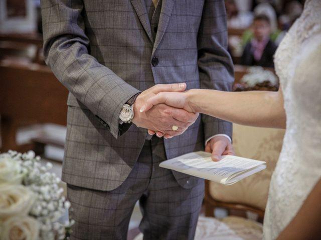 Il matrimonio di James e Elisa a Lentate sul Seveso, Monza e Brianza 27