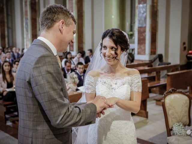 Il matrimonio di James e Elisa a Lentate sul Seveso, Monza e Brianza 29