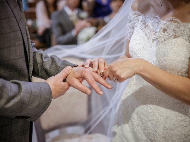 Il matrimonio di James e Elisa a Lentate sul Seveso, Monza e Brianza 30