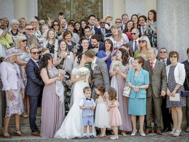Il matrimonio di James e Elisa a Lentate sul Seveso, Monza e Brianza 34