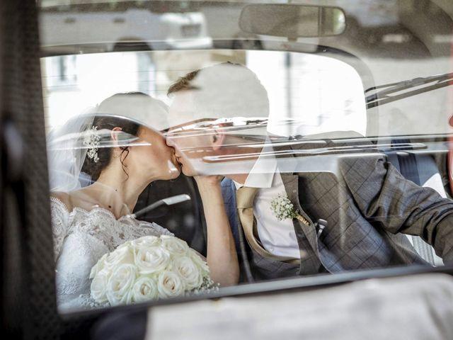 Il matrimonio di James e Elisa a Lentate sul Seveso, Monza e Brianza 40