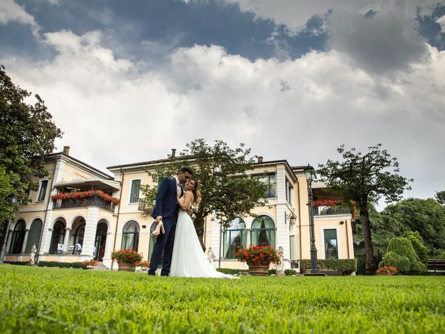 Il matrimonio di Roberto e Nadia a Inverigo, Como 38