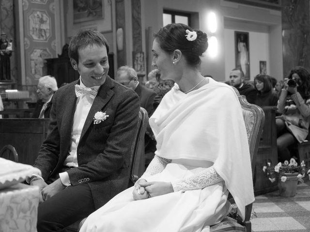 Il matrimonio di Marco e Anna a Fino Mornasco, Como 12