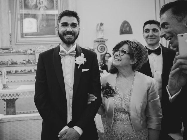 Il matrimonio di Matteo e Giulia a Cirò Marina, Crotone 19