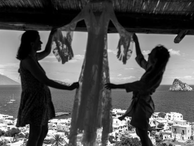 Il matrimonio di Zoe e Matt a Stromboli, Messina 2