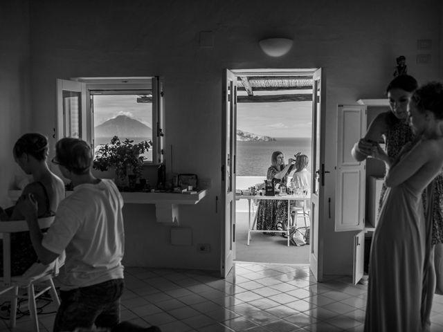 Il matrimonio di Zoe e Matt a Stromboli, Messina 5