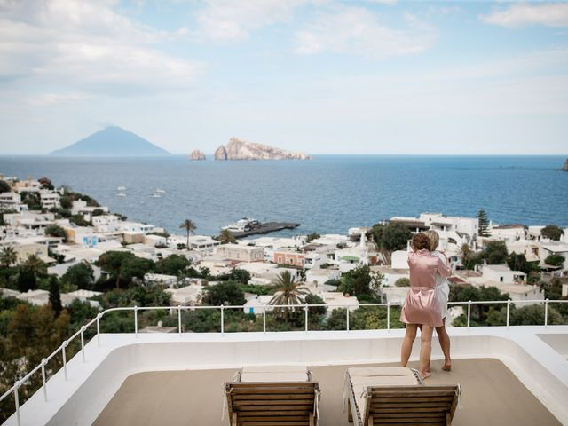 Il matrimonio di Zoe e Matt a Stromboli, Messina 11