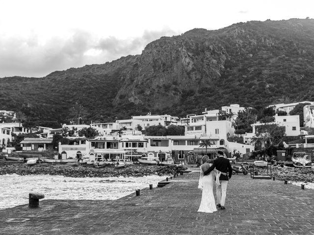 Il matrimonio di Zoe e Matt a Stromboli, Messina 50