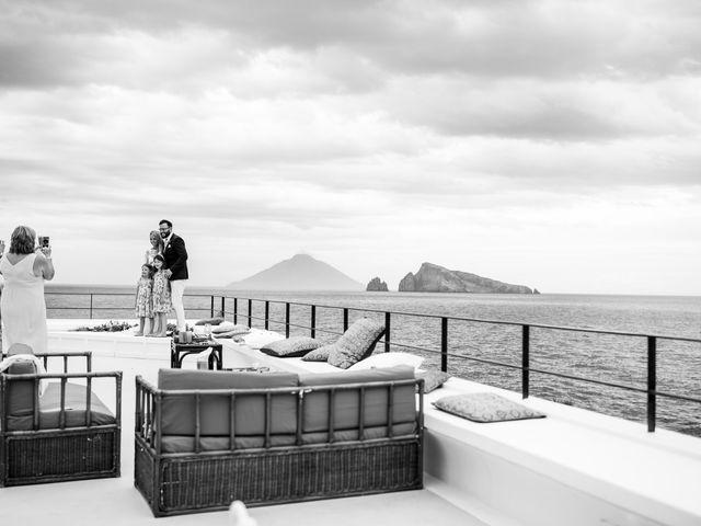 Il matrimonio di Zoe e Matt a Stromboli, Messina 61