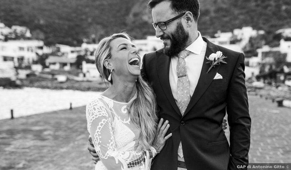 Il matrimonio di Zoe e Matt a Stromboli, Messina