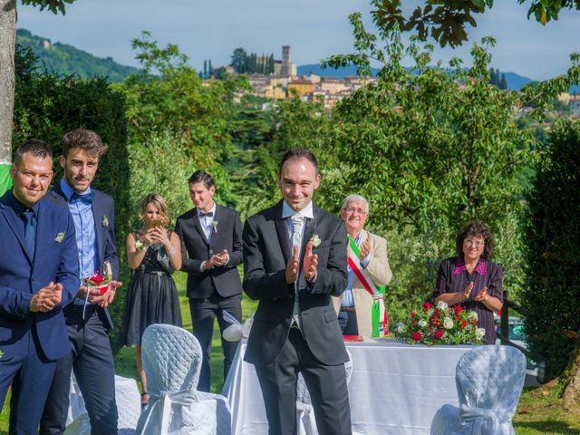 Il matrimonio di Davide e Silvia a Castelnuovo di Garfagnana, Lucca 24