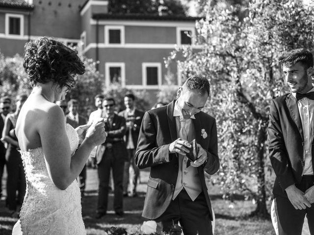Il matrimonio di Davide e Silvia a Castelnuovo di Garfagnana, Lucca 28