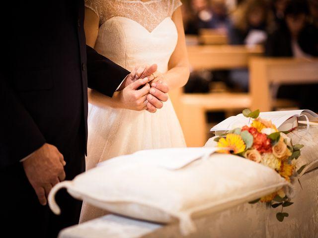 Il matrimonio di Fabio e Lucia a Fano, Pesaro - Urbino 19