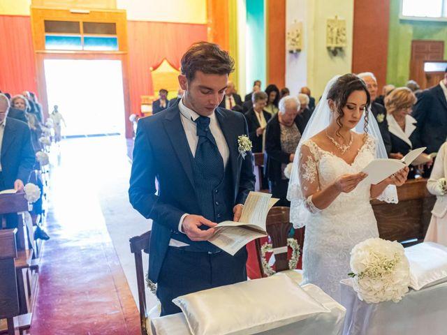 Il matrimonio di Fabio e Ilaria a Laveno-Mombello, Varese 21
