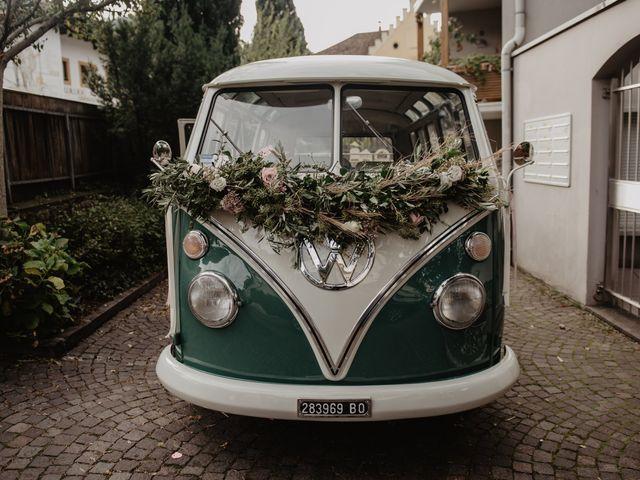Il matrimonio di Carmen e Ferdinand a Selva di Val Gardena-Wolkenstein in, Bolzano 31