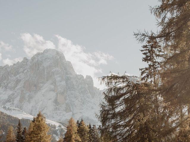 Il matrimonio di Carmen e Ferdinand a Selva di Val Gardena-Wolkenstein in, Bolzano 102