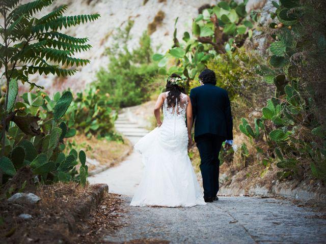 Il matrimonio di Laura e Salvatore a Roccella Ionica, Reggio Calabria 11