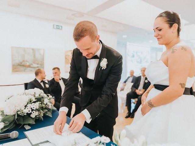 Il matrimonio di Lorenzo e Anthea a Lissone, Monza e Brianza 16