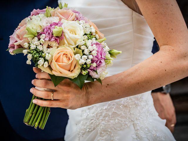 Il matrimonio di Simone e Laura a Inverigo, Como 31