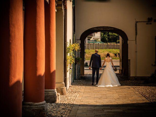 Il matrimonio di Simone e Laura a Inverigo, Como 32