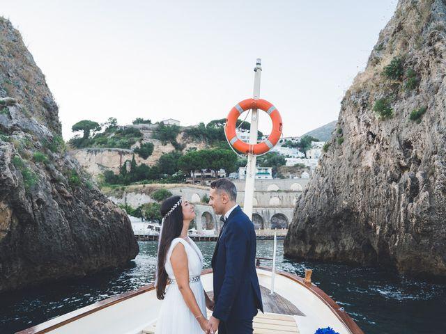 Il matrimonio di Mariangela e Giuseppe a Vietri sul Mare, Salerno 17