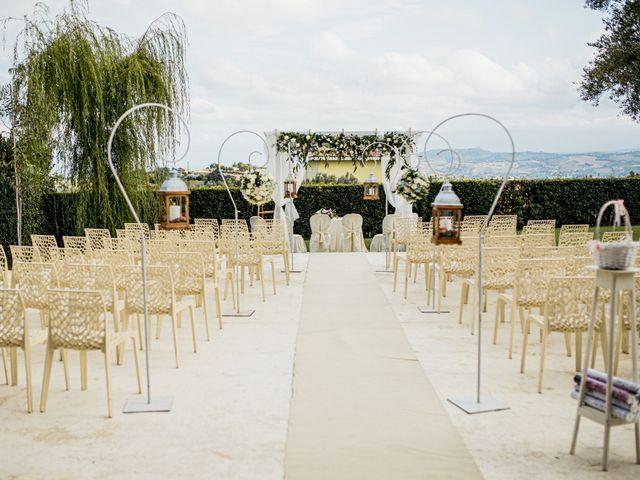 Il matrimonio di Raffaele e Celeste a Mosciano Sant'Angelo, Teramo 27