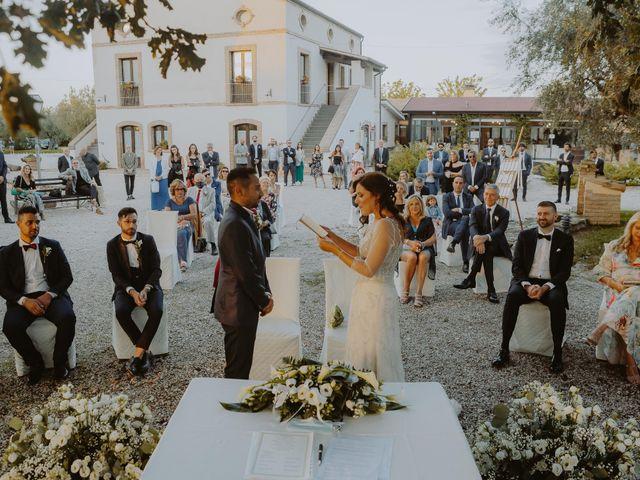 Il matrimonio di Gianmarco e Sara a Mosciano Sant'Angelo, Teramo 9