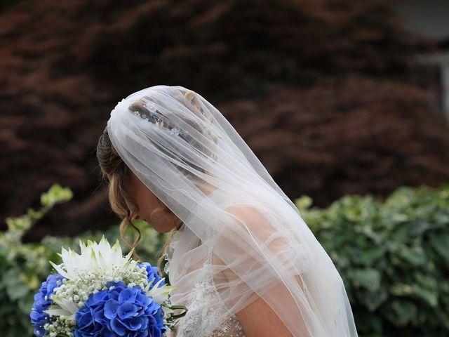 Il matrimonio di Michele e Marika a Montevecchia, Lecco 32