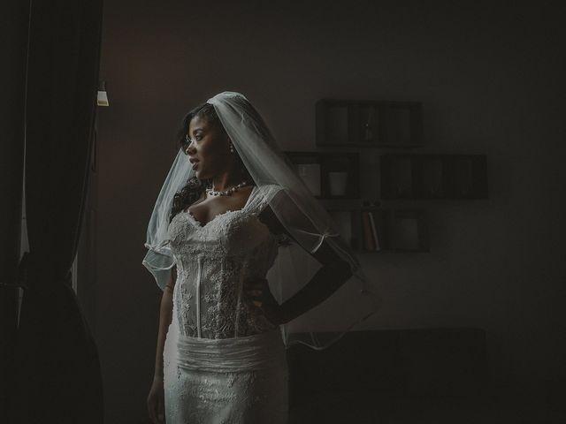 Il matrimonio di Claudio e Sentony a Napoli, Napoli 17