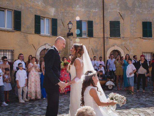Il matrimonio di Fabio e Elena a San Clemente, Rimini 15