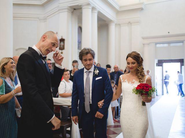Il matrimonio di Fabio e Elena a San Clemente, Rimini 17