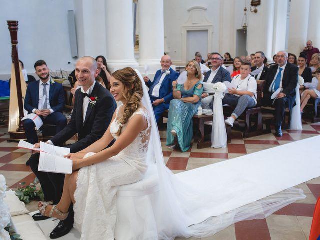 Il matrimonio di Fabio e Elena a San Clemente, Rimini 18