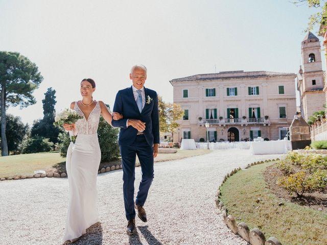 Il matrimonio di Francesco e Lisa a Cupra Marittima, Ascoli Piceno 16