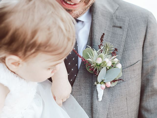 Il matrimonio di Julien e Laura a Pella, Novara 30