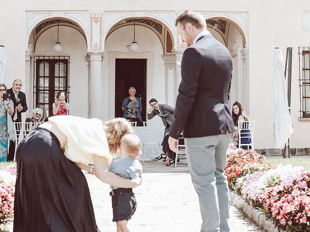 Il matrimonio di Julien e Laura a Pella, Novara 33