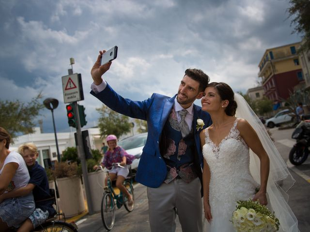 Il matrimonio di Juri e Serena a Polverigi, Ancona 12