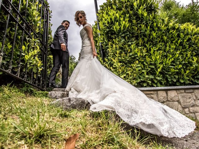 Il matrimonio di Luca e Lucia a Garzeno, Como 28