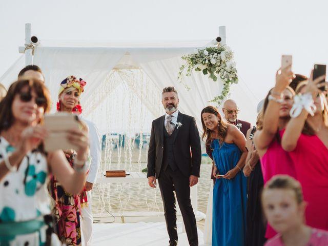 Il matrimonio di Cristiano e Diana a Viareggio, Lucca 14