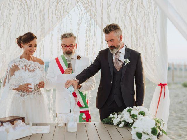 Il matrimonio di Cristiano e Diana a Viareggio, Lucca 18