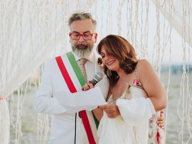 Il matrimonio di Cristiano e Diana a Viareggio, Lucca 19