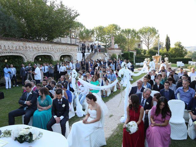 Il matrimonio di Vito e Eva a Mogliano, Macerata 20