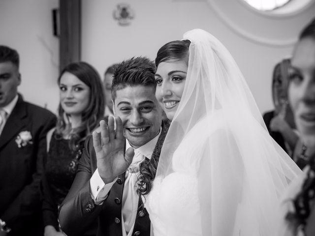 Il matrimonio di Lino e Jessica a Pozzuoli, Napoli 32