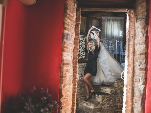 Il matrimonio di Marco e Veronica a Buti, Pisa 29