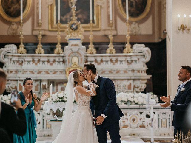 Il matrimonio di Tonia e Giuseppe a Castellammare di Stabia, Napoli 25