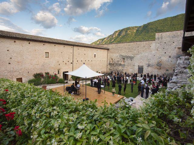 Il matrimonio di Valeriano e Aloa a Ocre, L'Aquila 6