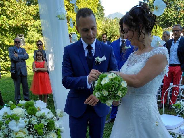 Il matrimonio di Walter e Giusy a Monvalle, Varese 5