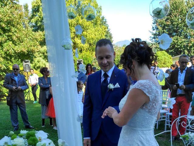 Il matrimonio di Walter e Giusy a Monvalle, Varese 27